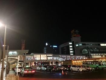 全然雪の積もっていない秋田駅